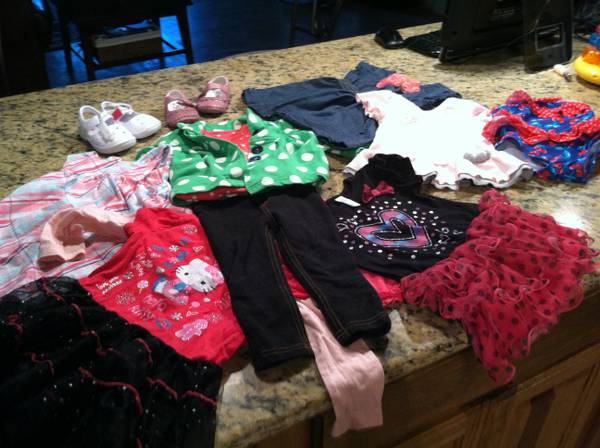 INFANT BABY GIRL CLOTHES - $70 (NEW BRAUNFELS)