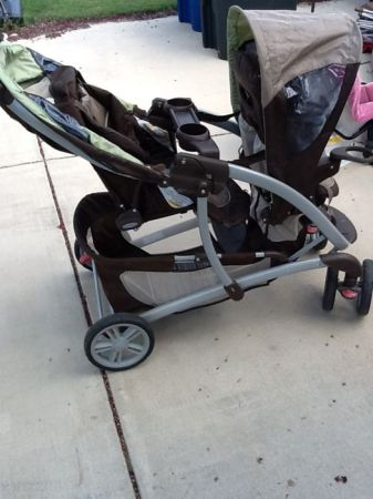 Graco Quattro Tour Duo Tandem Double Stroller with SafeSeat carseat - $195 (New braunfels)