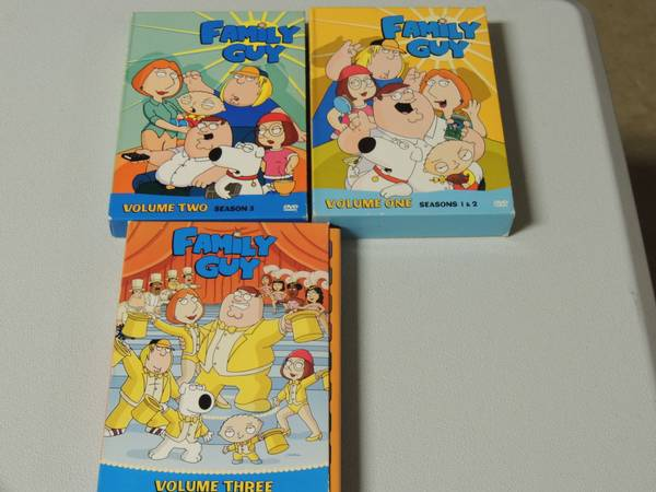 FAMILY GUYSIMPSONS BOXED SETS - $1 (san marcos)
