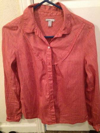 Womans blouses size small - $5 (Dakota ranch)