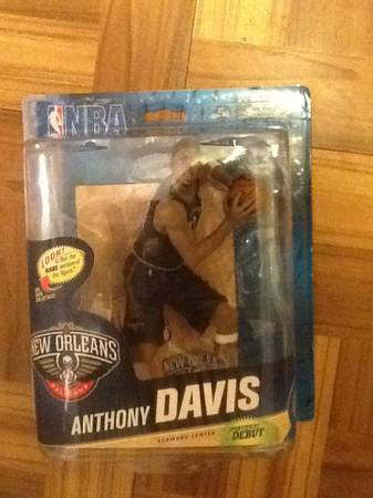 Anthony Davis RArE gold figure -   x0024 50