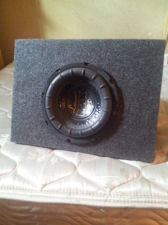 8 Lanzar Sub With Box Enclosure Lightning Audio Amp - $65 (Luling, Tx)