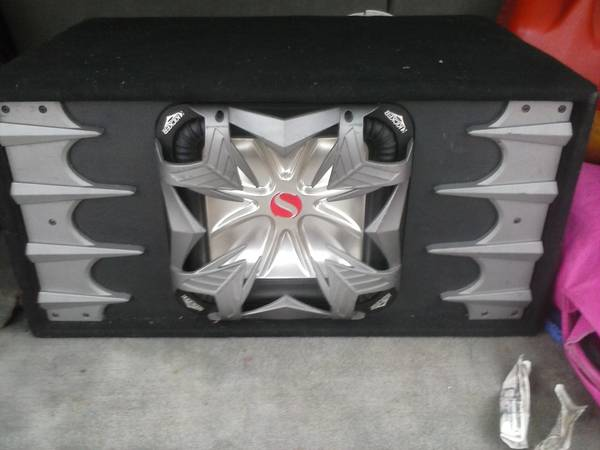12 kicker L5 in ported box - $125 (seguin)