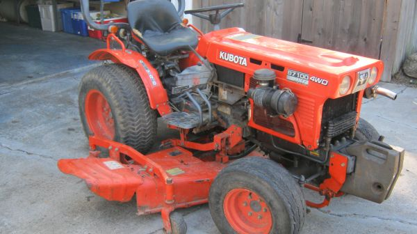 Tractor--Kubota B-7100 HST 4 W.D. Diesel W 5 ft Belly Mower - $4200 (Shiner)