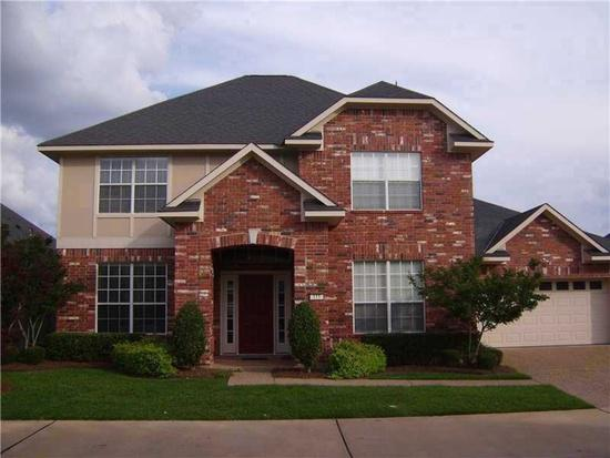 3br  Recently remolded beautiful spacious two story home