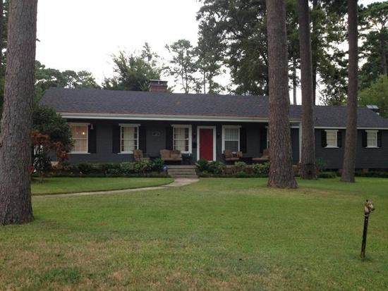 700  3br  This three bedroom  two bath ranch-style home CONTACT ME AT  saxc12outlook com
