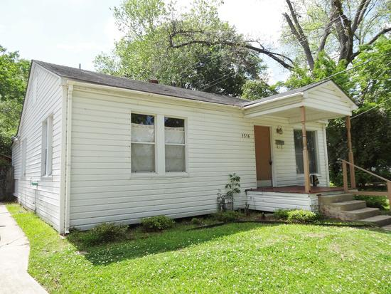 775  3br  Spacious Three Bedroom home located