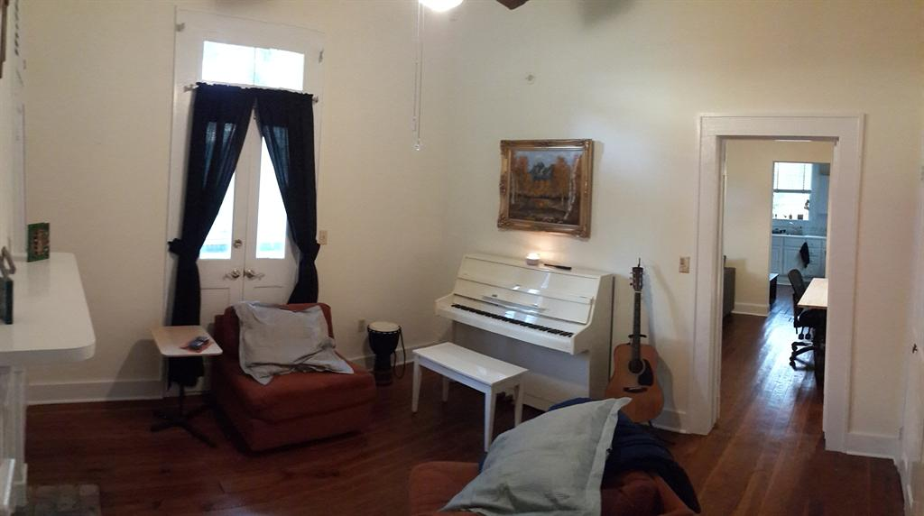 600  Roommate Wanted