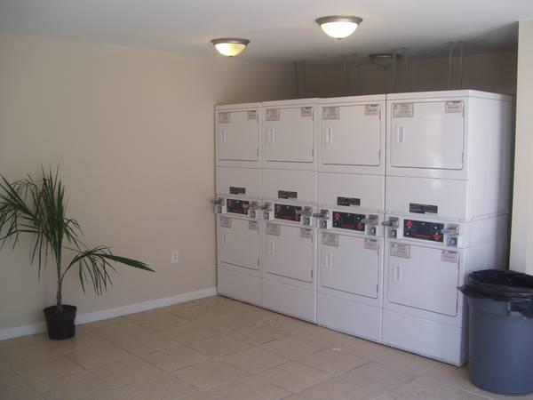 855  Renata Lakes Apartments -  2 Bedroom  1 5 Bath