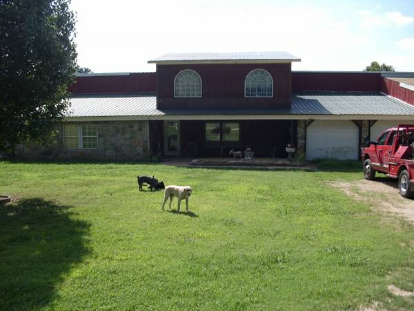 -  1015   3br - 1800ft sup2  - Horse Property with Home  Wildersville  TN