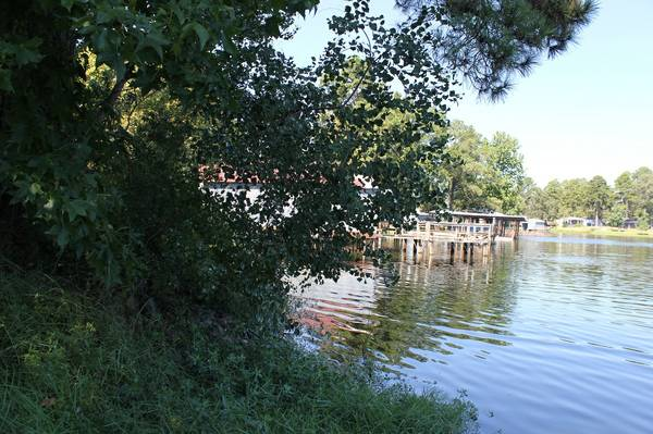 - $40000 3br - 1200ftsup2 - waterfront property (Lake Murval)