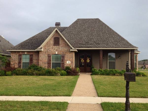 - $310000 4br - 2491ftsup2 - 718 Saint Martins Lane - Village at Tiburon subdivision (Bossier City, LA)
