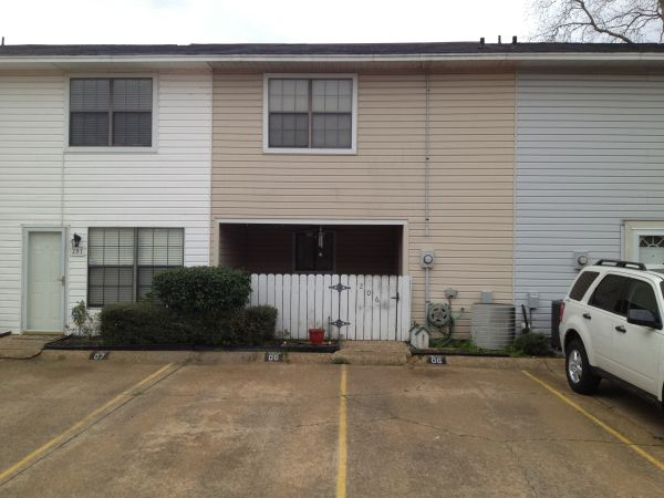 $109900 2br - 1200ftsup2 - Gated Greenacres Place Townhouse for Sale (Bossier City, LA)