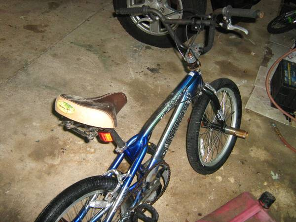 MONGOOSE, 20 STUNT BIKE,FULL PEGS - $30 (SOUTHERN HILLS, SHREVEPORT)