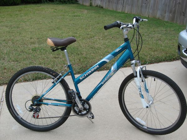 Schwinn 26 Ladies Sidewinder Mountain Bike - $35 (Haughton - Dogwood South)