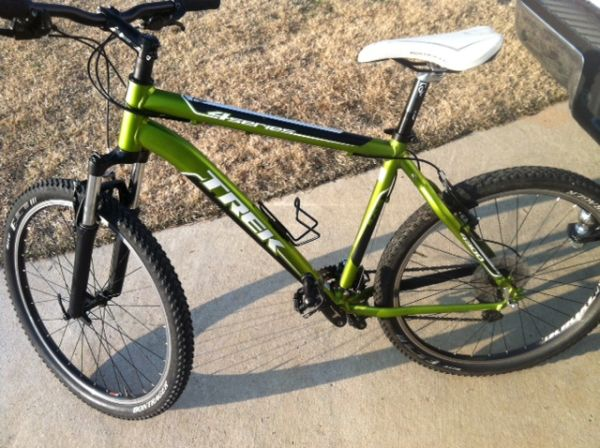 2010 Trek 4300 - $400 (Haughton, LA)