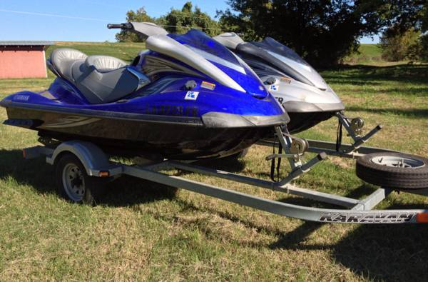 Set of 2 Blue and Silver 2007 Yamaha Wave Runner FX HO Cruiser with Tr - $13000 (E. Kings Hwy)