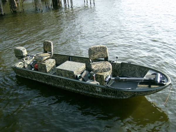 Duracraft Stick Steer Fishing Boat-Stick Steering, Excellent shape - $3950 (Caddo Lake Texas)