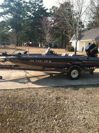 17ft  bass boat w 115 Mercury -   x0024 7500  Jonesboro