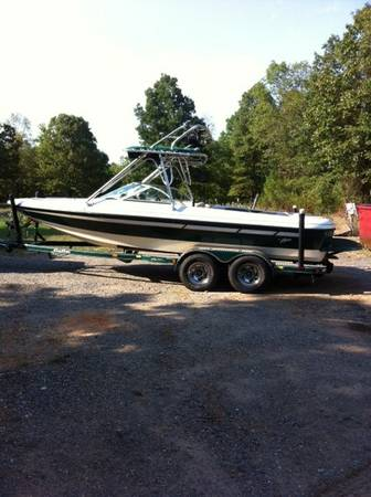 2000 Aztec Sunstar - Wakeboard - $15500 (Little Rock AR)