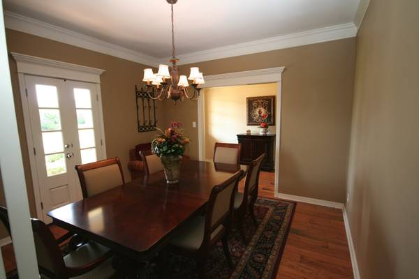 Dining room table with six chairs - $350 (shreveport)