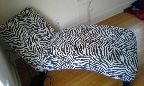zebra print chaise lounge chair - $175 (shreveport, la)