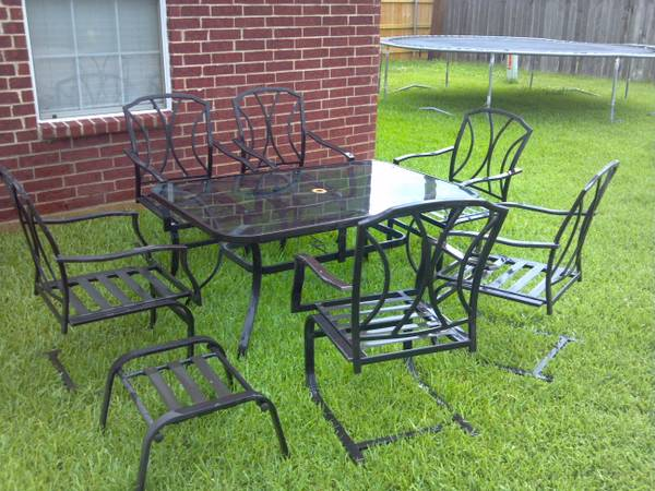 Outdoor Glass Top Patio Table, Chairs Umbrella - $75 (Bossier City)