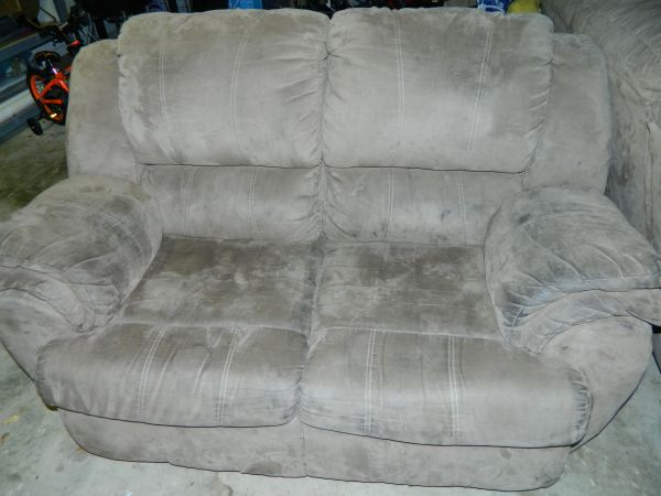 Ashley furniture 3 piece reclining beige couch set - $100 (Bossier City)