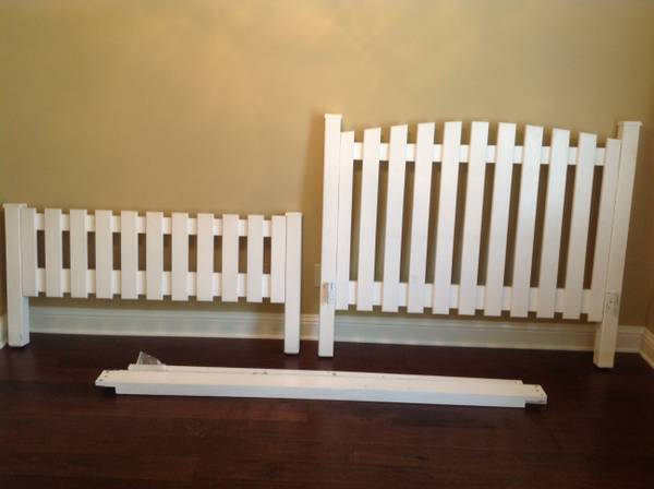Full (Double) size Picket Fence custom headboard and footboard - $100 (Shreveport)