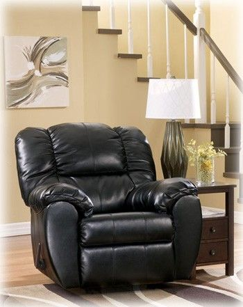 ONLY $288 buys this classic Leather Rocker Recliner GOTTA SEE IT - $288 (-Shreveport-)