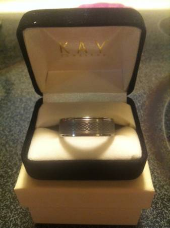 Man s wedding band -   x0024 100  Bossier City