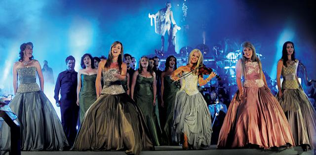 Celtic Woman Tickets at Shreveport Municipal Memorial Auditorium on 10282015