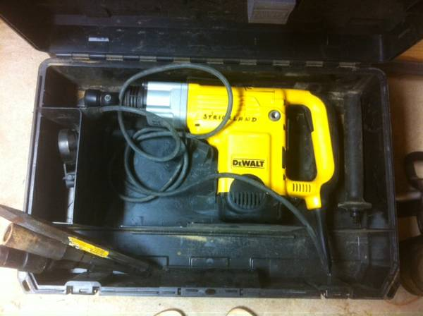 DeWalt D25550 Rotary Hammer - $300 (NW Louisiana (south of Shreveport))