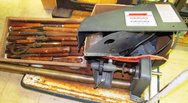 Sears Craftsman 12 Inch Wood Turning Lathe wAdditional Copy-Crafter - $275 (SHREVEPORT, LA)