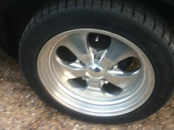17 eagle alloy rims and tires - $500 (mindenbossier)