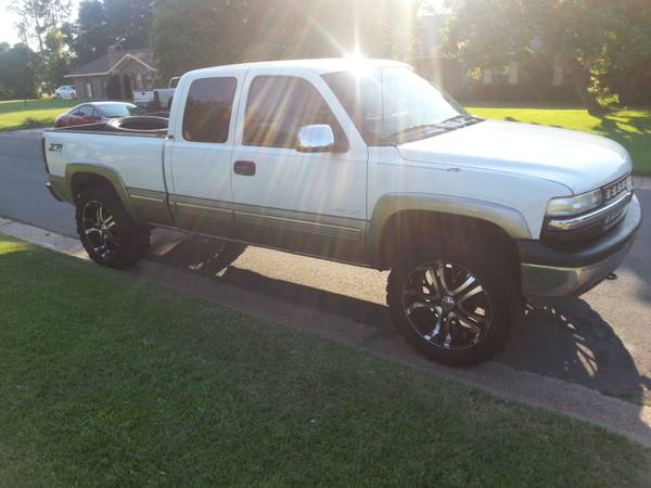 3514.5022 super swer irocs on 22x10 incubus black and chrome - $1400 (bossier city)