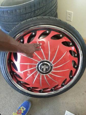 24in dub Floaters w tires 3200 - $3200 (Shreveport)