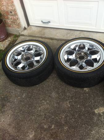 17inch chrome wheels on Vogue tires - $750 (Shreveport )