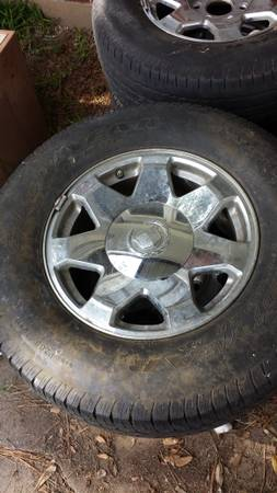 17 Cadillac Escalade Chrome Rims Wheels and Tires - $300 (Bossier city)