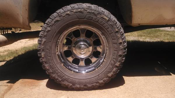 Weld wheels and tires f250 8 lug - $1000 (Stonewall)