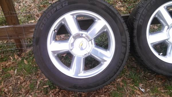 4 - 2009 Tahoe 20 inch OEM wheels - x0024400 (Carthage)