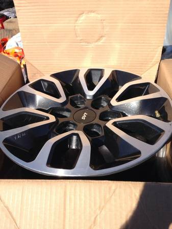 Ford raptor rims - $450 (Keatchie)