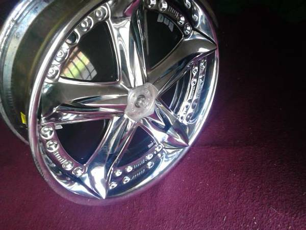 DUB FLOATERS FOR TRADE OR SELL - $1500 (pinebluff arkansas)