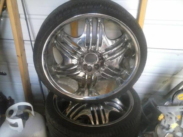 20 inch rims.  Universal  - $500 (Shreveport )