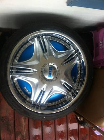 DUB FLOATERS - $800 (RUSTON)