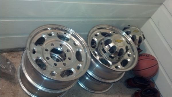 8-lug factory wheels chevy gmc  - $300 (Shreveport )