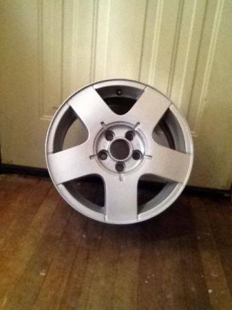 2003 OEM VW alloy rims - $250 (Highland)