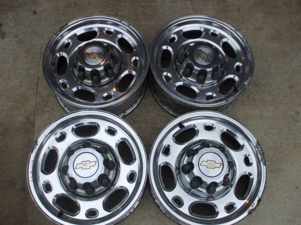 chevy 8 lug chrome rims - $300 (stonewall,la.)