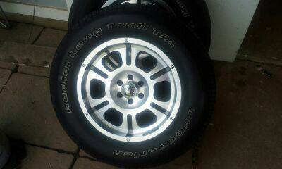 17 MB Wheel 6 lug Rims with Tires - $300 (Bossier City)