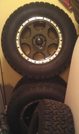 06-10 Jeep Grand Cherokee Tires Rims Wheels 5.7L Hemi 4x4 - $1200 (North Airline Dr, Bossier City)